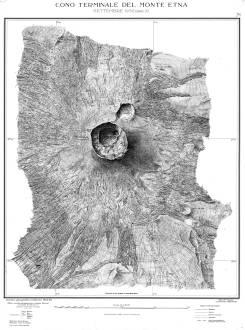 Mappe topografica edita dall'Istituto Geografico Militare aggiornata al 1932. Al centro della mappa si osserva il Cratere Centrale, al quale si accosta, subito a Nord, il Cratere di Nord-Est che ha iniziato la sua attività nel 1911.