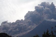 Corrente piroclastica al Volcan de Fuego, 3 Giugno 2018 (fonteimmagine: https://www.bbc.com/news/world-latin-america-44352604)