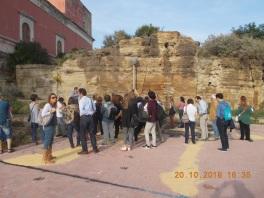 Figura 7 – Affioramento del deposito prodotto dai surge piroclastici (vedi Glossario) del Monte Echia.